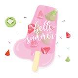 Hola verano con el polo de la fruta en el fondo blanco Imagen de archivo