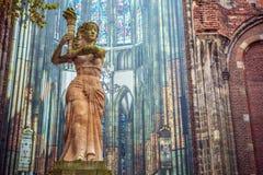 HOLANDIE UTRECHT, PAŹDZIERNIK, - 25, 2015: Sławne rzeźby stary centrum miasta na Październiku 25, Holandia, 2015 w Utrecht - Obrazy Stock