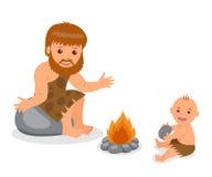 Holbewoner Vader en zoonszitting dichtbij de brand Geïsoleerde karakters voorhistorische mensen op een witte achtergrond Royalty-vrije Stock Afbeelding