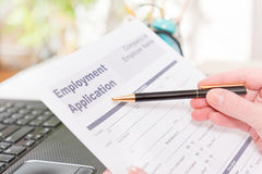 Holding blank employment application form Royalty Free Stock Photography