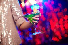 Holding cocktail Royalty Free Stock Photography