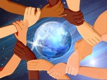 Holding-Hände um The Globe Stockbilder