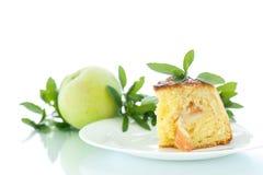 holdingen för closeupen för äpplebakgrund isolerade den stekheta piered som visar den vita kvinnan Fotografering för Bildbyråer