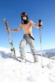 holdingen som male poler skidar skieren, skidar Fotografering för Bildbyråer