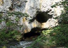 Holen door rivier Hornad in Slowaaks Paradijs Royalty-vrije Stock Afbeelding