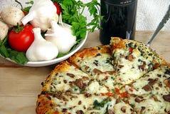 Holen Sie auf die Pizza Stockfoto