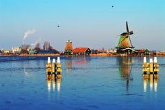 holenderów krajobrazowi wiatraczki Fotografia Royalty Free
