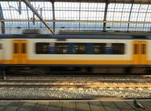 Holendera pociąg w ruchu Fotografia Royalty Free