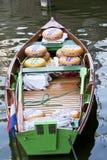 Holenderscy sery w łodzi, Alkmaar, Holandia zdjęcie royalty free