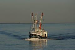 Holenderska łódź rybacka na WaddenSea obraz royalty free