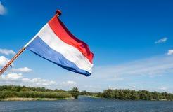 Holenderska flaga państowowa na stern łódź Fotografia Stock