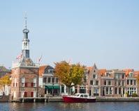 Holenderski motorboat w Alkmaar obraz stock