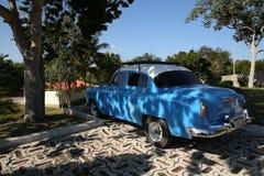 Holguin, Cuba, 11 24 2018 libérations 1953 bleues de Chevrolet de rétro voiture photographie stock
