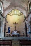 HOLGUIN KUBA - JANUARI 28, 2016: Inre av den San Jose kyrkan i Holguin, Cu arkivbild