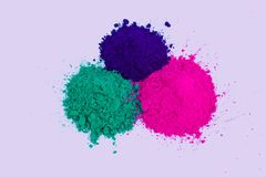 Holi五颜六色的粉末绿色紫色 库存照片