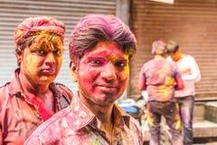 青年人在印度庆祝Holi节日 免版税图库摄影