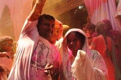 Holi beröm på Barsana Royaltyfria Bilder