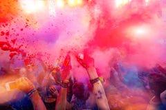 Holi celebração 9 de setembro de 2017 Moldova Chisinau Darwin Color imagens de stock