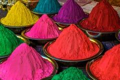 Holi coloreó polvos fotos de archivo libres de regalías