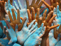 Holi - mani umane variopinte Fotografia Stock Libera da Diritti