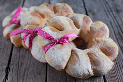 Holiday wholegrain bread wreath tied with a ribbon Royalty Free Stock Photos