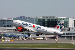 Free Holidays Czech Airlines Airbus A320-214 Royalty Free Stock Photography - 32750197