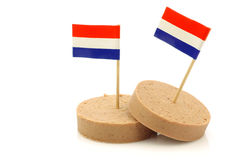 Holländische Leberwurst mit einem holländischen Markierungsfahne Toothpick stockfotos