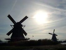 Holländische Windmühlen Stockfotos