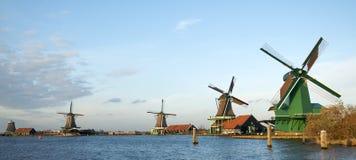 holländsk linje od-windmills Fotografering för Bildbyråer