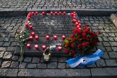 Holländsk monument som firar minnet av slaktoffren av det tidigare koncentrations- och utrotninglägret Auschwitz-Birkenau in Fotografering för Bildbyråer