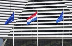 Holländsk och europeisk facklig flagga Royaltyfri Fotografi