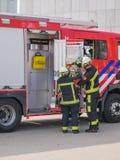 Holländska brandmän i handling Royaltyfri Fotografi