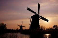 holländska kinderdijkwindmills Fotografering för Bildbyråer
