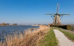 Holländska väderkvarnar i södra Holland Arkivbilder