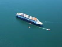 Holland America Cruise Ship Maasdam alla baia del francese nel porto di Antivari, Maine Immagine Stock