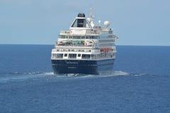 Holland Amerika-Schiff Prinsendam in Meer Stockfotografie