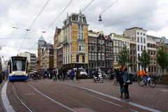 Holland Amsterdam, stadsgatorna med dess typiska slottar Arkivfoto