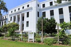 Holland Building med undervisningträdgårdtecken arkivfoto