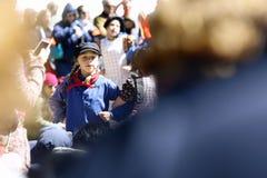 Holland, Michigan, USA, im Mai 2017: Niederländisches Tanzen auf den Straßen von Holland Michigan während Tulip Times lizenzfreie stockbilder