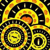 Holloweenpatroon met pompoenen, knuppels en kaarsen Stock Afbeelding