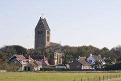 Hollum村庄和荷兰语改革了教会,阿默兰岛,荷兰 免版税图库摄影