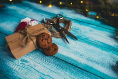 Holly Christmas Present Decoration Photos libres de droits