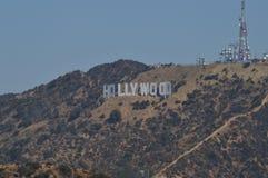 Hollywood bokstäver som beskådas från nära punkt för A mycket Juli 7, 2017 arkivbilder