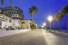 Hollywood Broadwalk på natten, Florida arkivbild