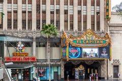 HOLLYWOOD CALIFORNIA/USA - JULI 29: Teater för El Capitan i Hol fotografering för bildbyråer