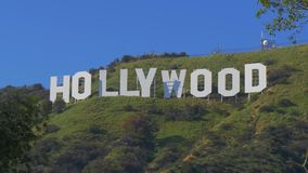 Hollywood firma adentro las colinas de Hollywood - California, los E.E.U.U. - 18 de marzo de 2019 almacen de video