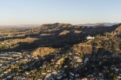 Hollywood Hills hem och Griffith Park Morning Aerial View arkivbild