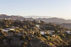 Hollywood Hills, hem och tecken royaltyfria bilder