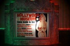 Hollywood-Museumseingangszeichen Stockbilder