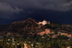 Hollywood observatorium och Hollywood Hills Royaltyfri Fotografi